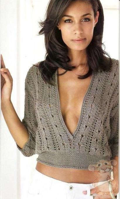 пуловер с глубоким вырезом