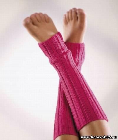 Ярко - розовые гетры спицами