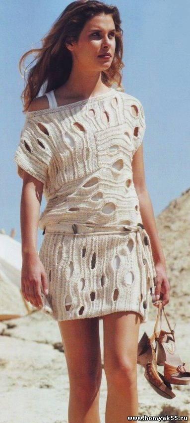 Платье туника бежевого цвета
