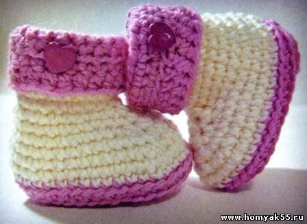 Бело-розовые пинетки