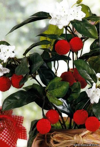 Вязаные вишни и нарциссы