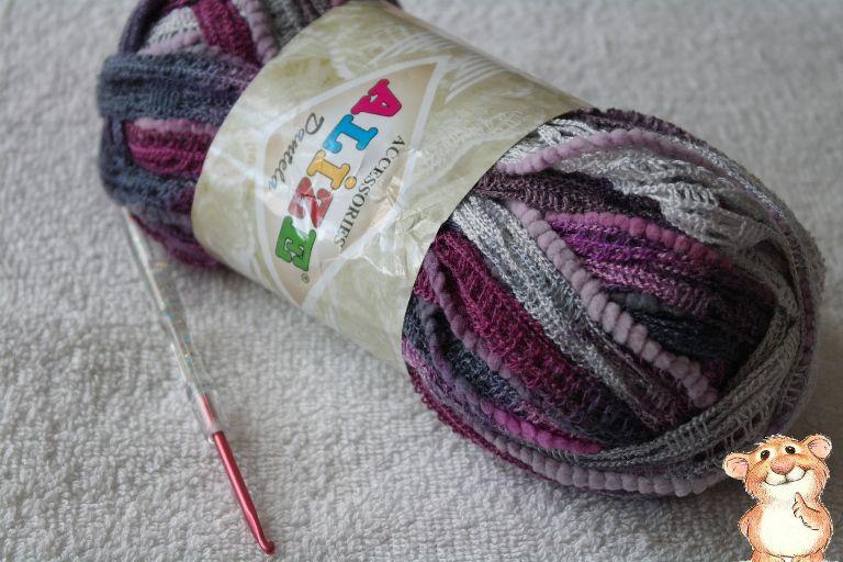 9e113fb58ba7 Ажурный шарфик из ленточной пряжи за час