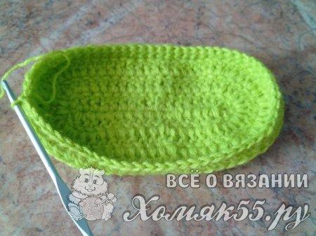 Зеленые пинетки крючком