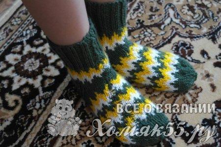 Как связать носки спицами с одним швом